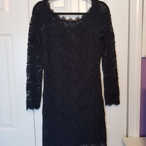 Lace Fitted Cocktail Dress
